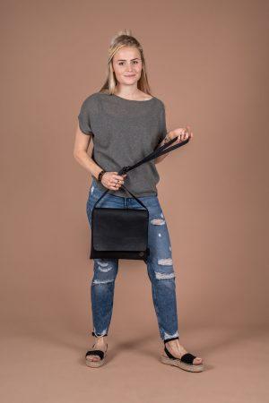 zusss leuke schoudertas met flap m zwart no28 wonen en lifestyle