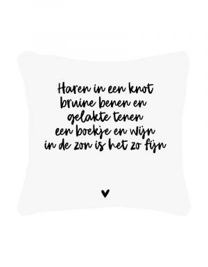 zoedt wit buitenkussen met gedicht haren in een knot no28 wonen en lifestyle webshop
