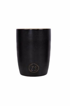 zwarte koffiemok aardewerk van zusss -wonen en lifestyle webshop no28wonen
