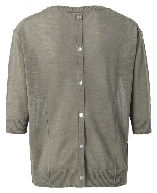 trui met knopen van het merk yaya