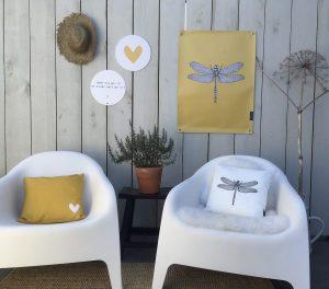 labelR tuinposter libelle mosterdgeel no28wonen.nl wonen en lifestyle webshop