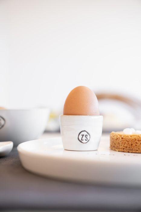Zusss - eierdopje aardewerk wit - wonen en lifestyle webshop no28