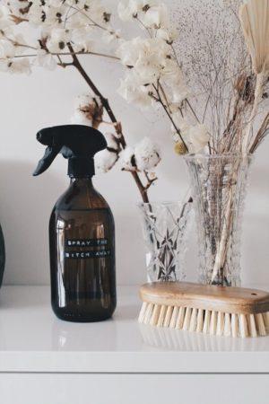 Wellmark - cleaner spray bruin glas zwarte pomp 500ml (easy daily cleaning) - wonen en lifestyle webshop no28wonen