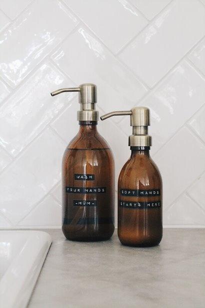 Wellmark - handzeep bamboe bruin glas messing pomp 250ml (may all your troubles be bubbles) - wonen en lifestyle website no28wonen
